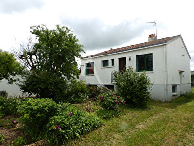EXCLUSIVITE-CENTRE BOURG SALLERTAINE